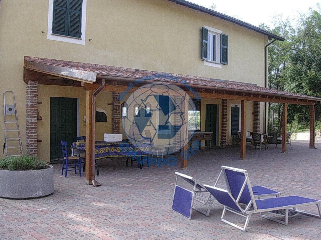 Villa in vendita a Piana Crixia, 4 locali, zona Località: Monte Bergone, prezzo € 430.000 | CambioCasa.it