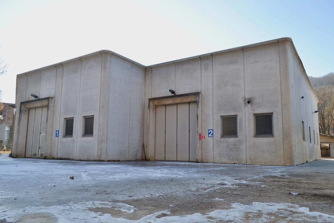 Vendita capannone Cisano Bergamasco superficie 1200m2