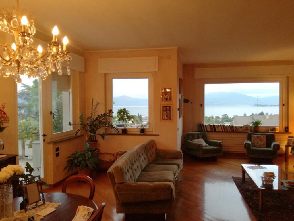 Villa indipendente vistalago a Desenzano del Garda