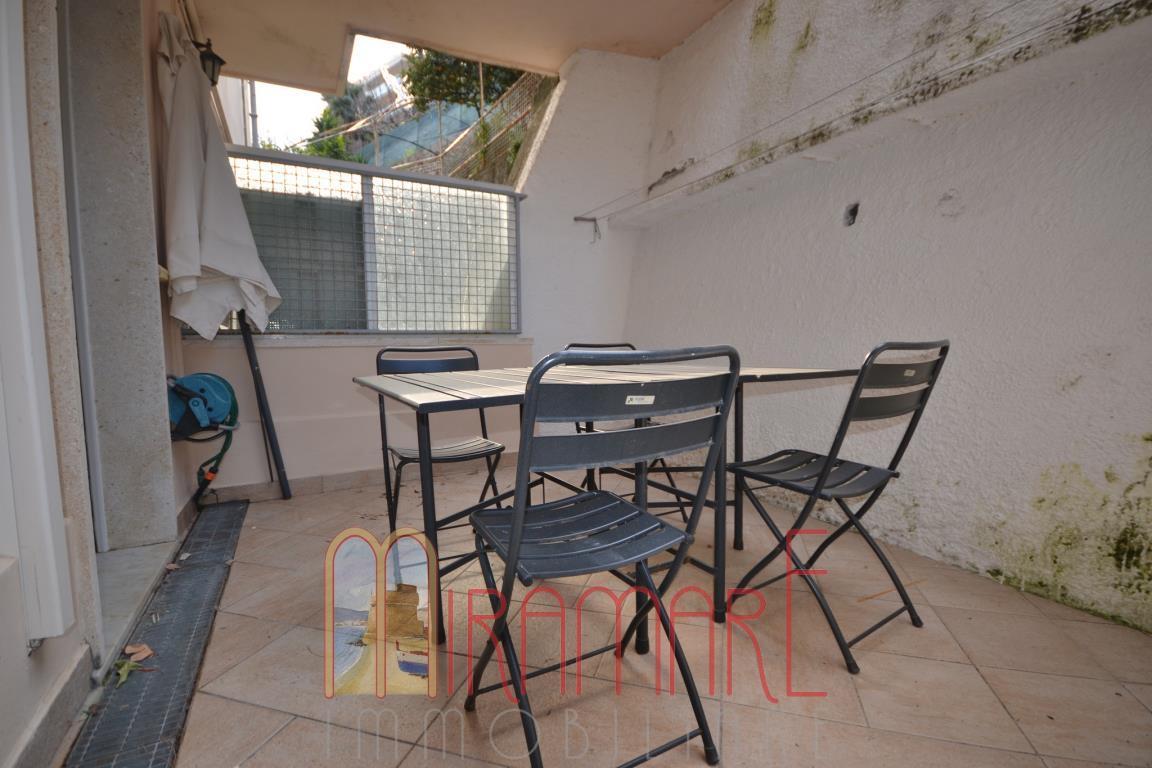 Alassio, bilocale con terrazzo in affitto TURISTICO