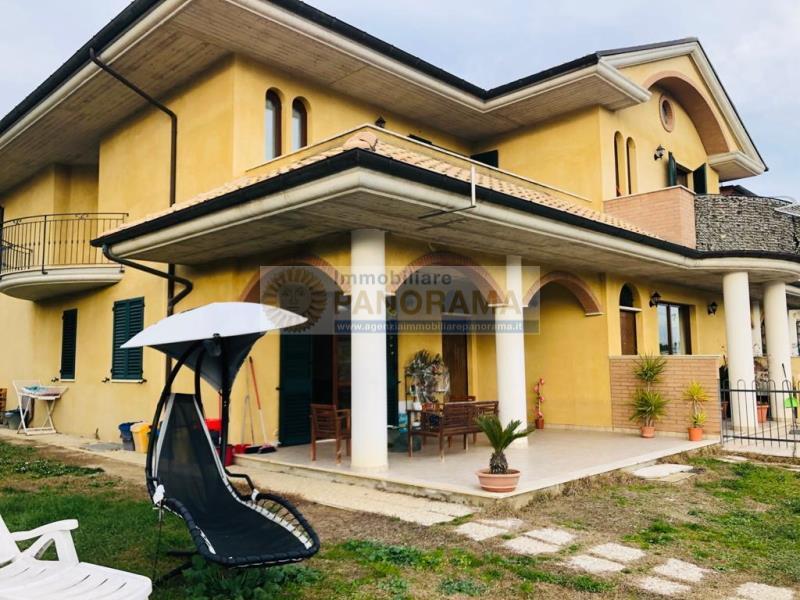 Rif. ATA166 - Affittasi appartamento in villa a Spinetoli