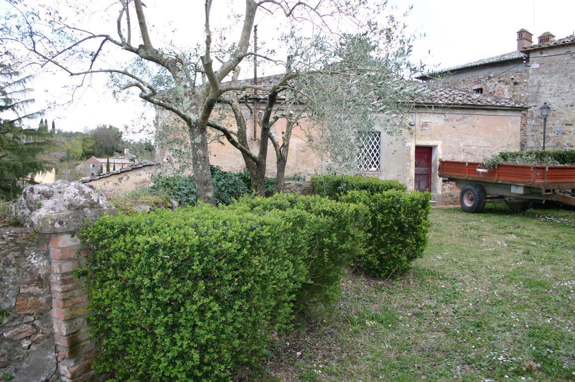 Rustico / Casale in vendita a Sovicille, 15 locali, prezzo € 530.000 | PortaleAgenzieImmobiliari.it
