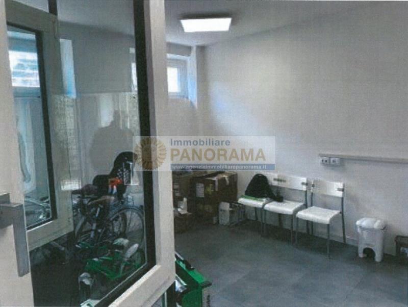 Rif. ATV156 Vendesi capannone artigianale a Porto d'Ascoli