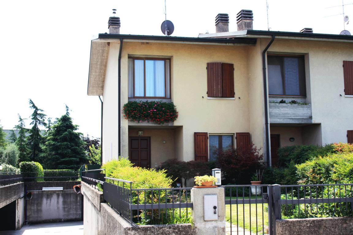 Villa schiera di testa a due passi da Desenzano del Garda