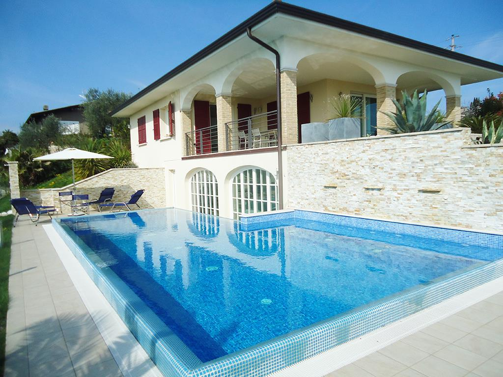 Villa Singola a Soiano