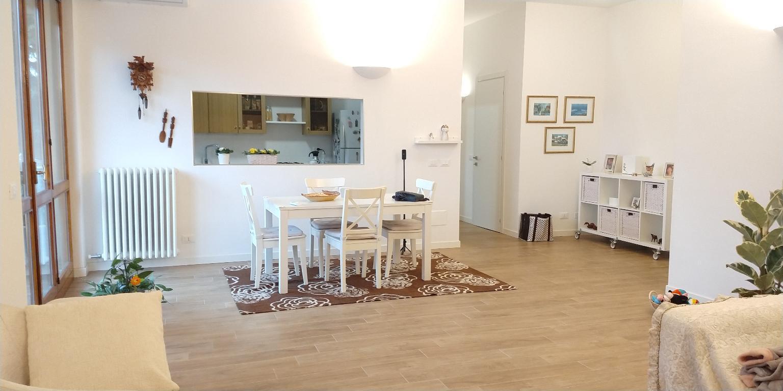 Appartamento in vendita a Monza, 3 locali, zona Località: Parco, prezzo € 280.000 | CambioCasa.it