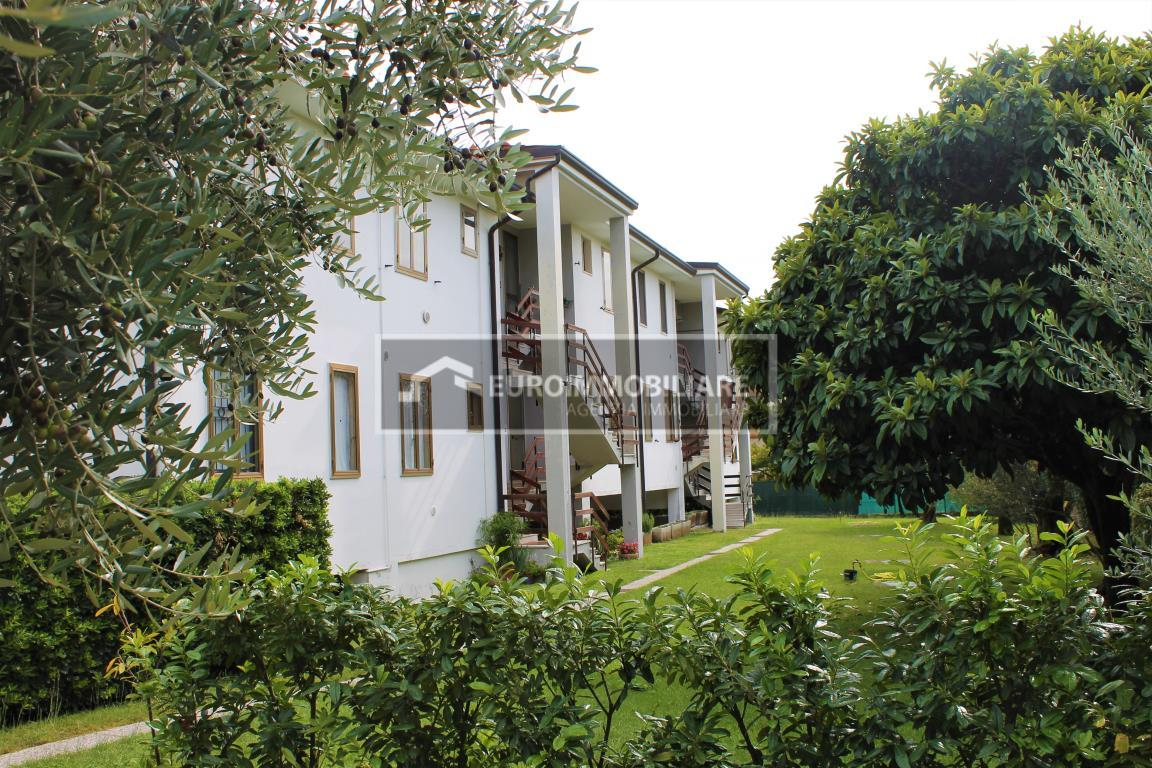 Appartamento in vendita a Toscolano-Maderno, 2 locali, prezzo € 89.000 | CambioCasa.it