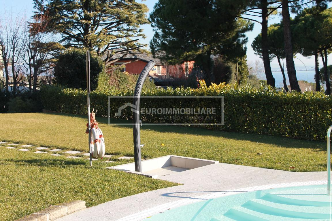 Appartamento in vendita a Desenzano del Garda, 2 locali, prezzo € 239.000 | CambioCasa.it