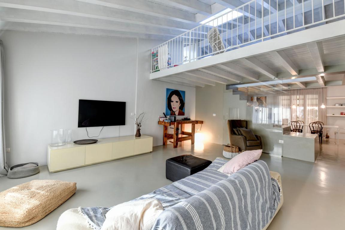 Appartamento attico tre letto in centro storico a Desenzano del Garda