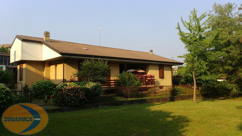 Villa in vendita a Viganò, 5 locali, zona Località: verde, prezzo € 320.000 | CambioCasa.it