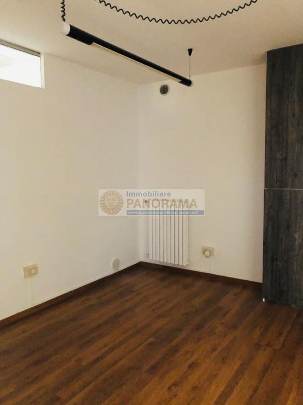 Rif. ATA183 Affittasi ufficio a San Benedetto del Tronto