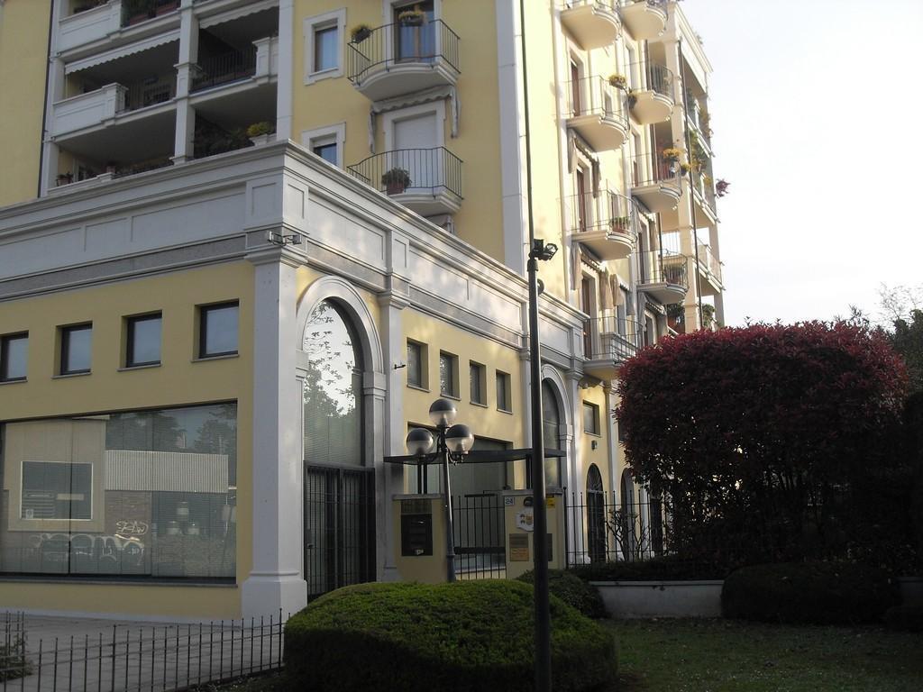 Brescia nord  – Studio privato / ufficio in elegante complesso - 1