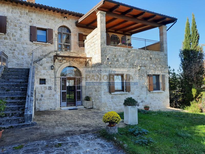 Rif. LC1173 Vendesi casale ad Ascoli Piceno Piagge