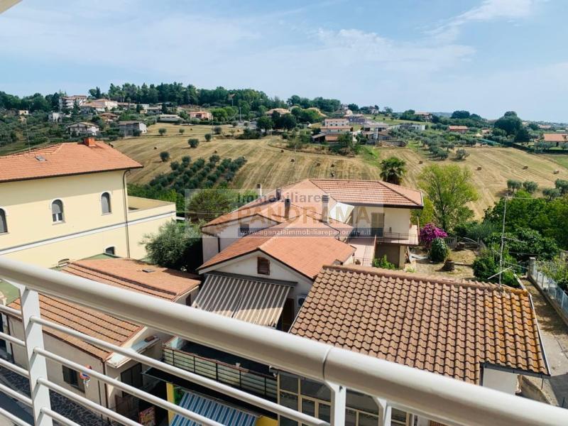 Rif. ATV213 Vendesi appartamento a Corropoli