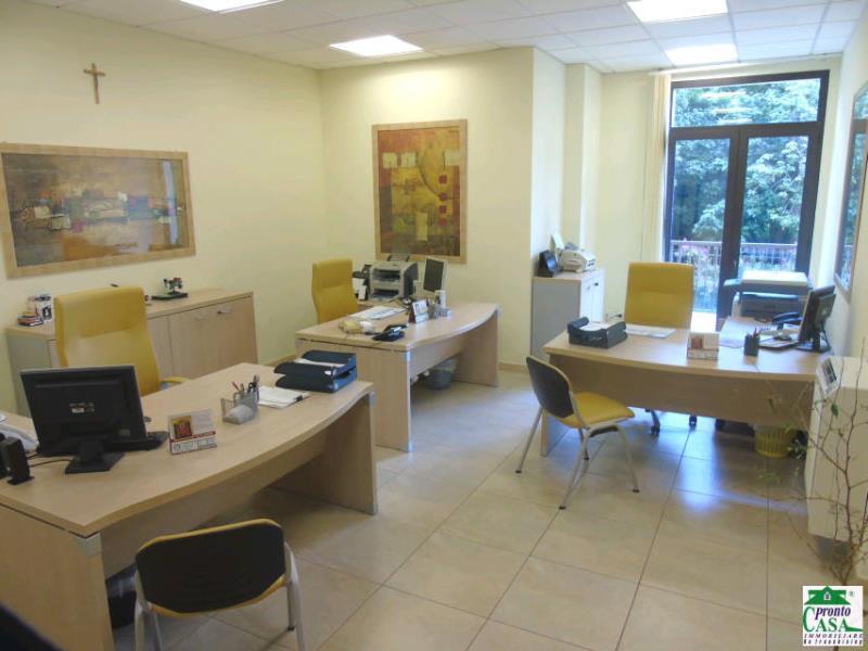 Ufficio / Studio in vendita a Modica, 4 locali, zona Zona: Modica Sorda, prezzo € 200.000 | CambioCasa.it