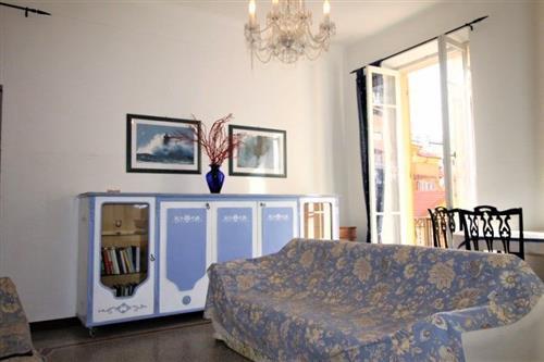 Grande alloggio nel Borgo Coscia vista mare