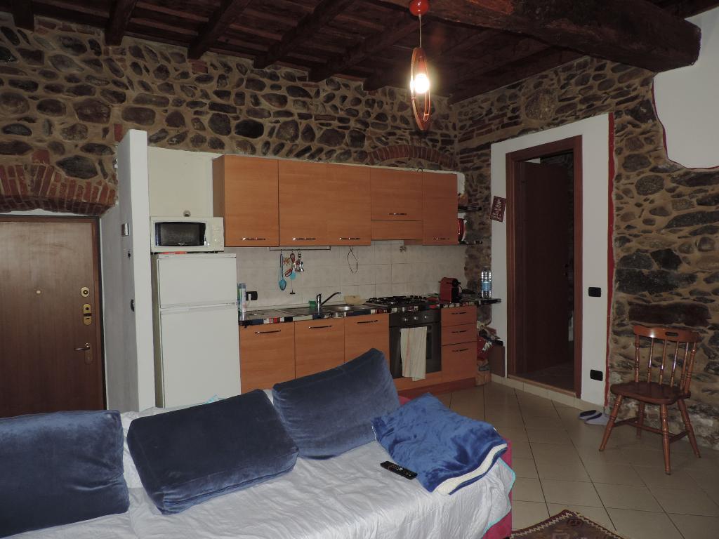 Appartamento in vendita a Brivio, 3 locali, prezzo € 78.000 | CambioCasa.it