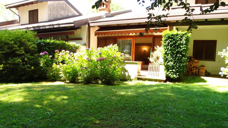 Appartamento in vendita a Appiano Gentile, 3 locali, prezzo € 380.000 | CambioCasa.it