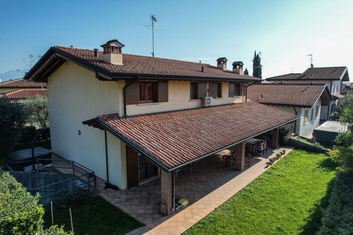 Villa singola a Padenghe sul Garda