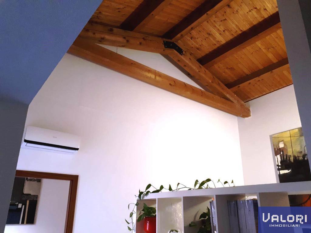 Ufficio / Studio in affitto a Faenza, 3 locali, zona Località: CENTRALISSIMA, prezzo € 470 | CambioCasa.it