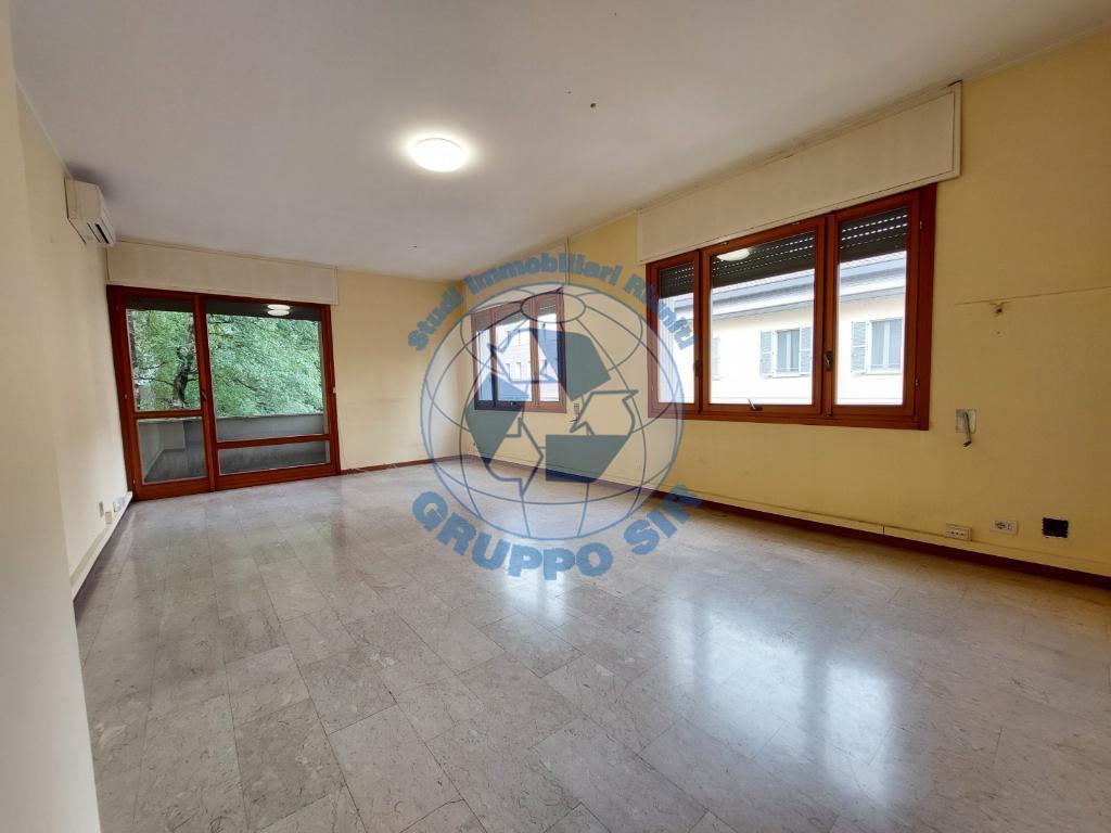 Appartamento in vendita a Monza, 3 locali, zona Località: Centro storico, prezzo € 310.000 | PortaleAgenzieImmobiliari.it