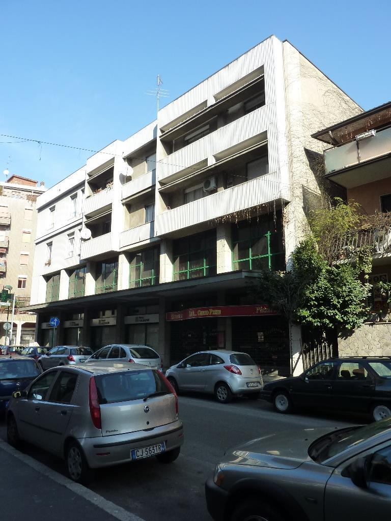 Negozio / Locale in affitto a Sesto San Giovanni, 4 locali, prezzo € 4.167 | PortaleAgenzieImmobiliari.it