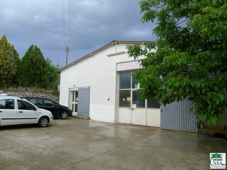 Immobile Commerciale in vendita a Modica, 9999 locali, prezzo € 190.000 | CambioCasa.it