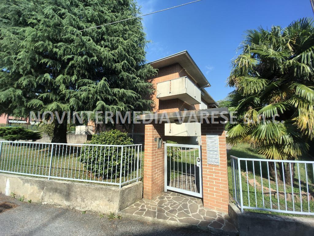 Appartamento in vendita a Caronno Varesino, 3 locali, prezzo € 128.000 | PortaleAgenzieImmobiliari.it