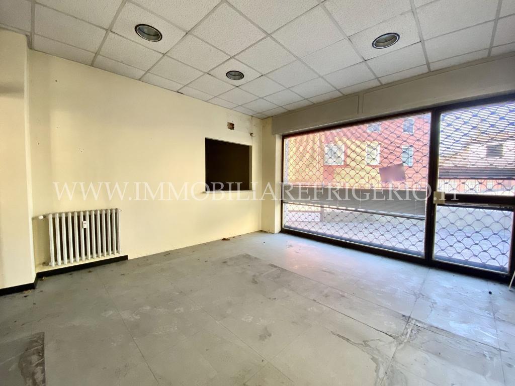 Vendita negozio Calolziocorte superficie 151m2
