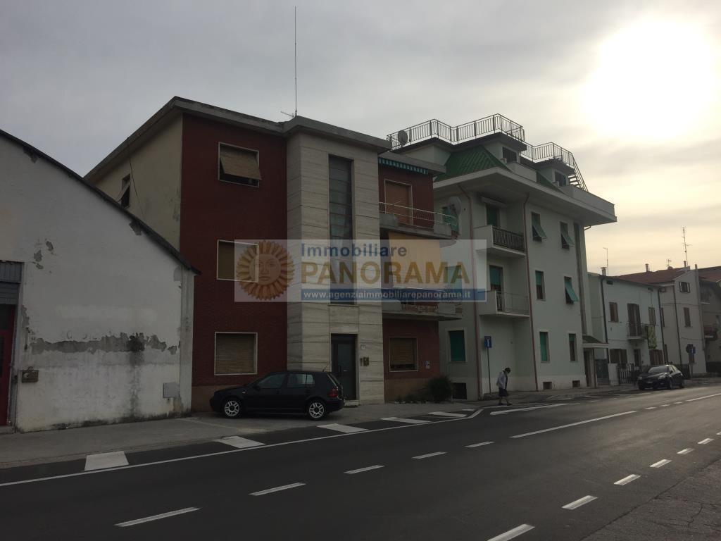 Rif. CVE35 Cielo-terra vendesi a Porto d'Ascoli