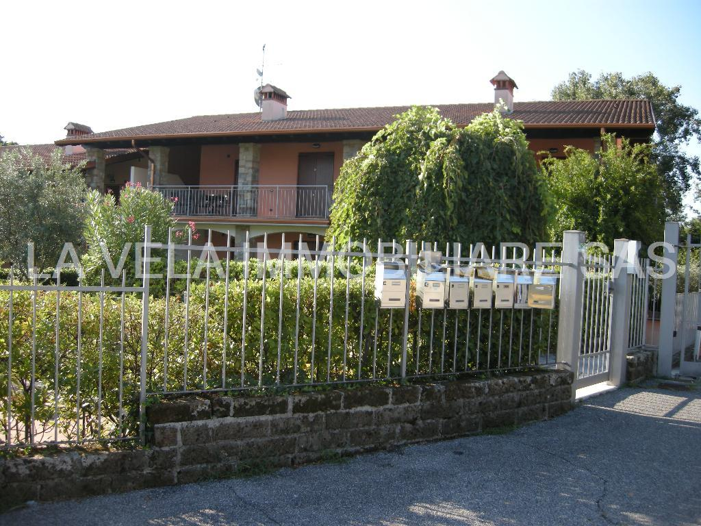 Appartamento in affitto a Polpenazze del Garda, 3 locali, prezzo € 800 | CambioCasa.it