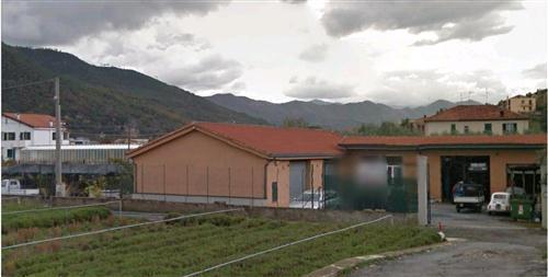 Albenga Frazione Bastia, vendesi magazzino con terreno.