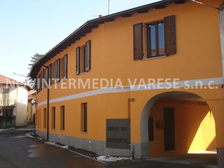 Appartamento in vendita a Crosio della Valle, 3 locali, zona Località: Vicinanza Varese, prezzo € 95.000 | CambioCasa.it