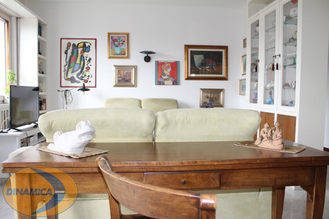 Appartamento in vendita a Bresso, 4 locali, zona Località: Confine con Milano - Parco Nord, prezzo € 299.000   PortaleAgenzieImmobiliari.it