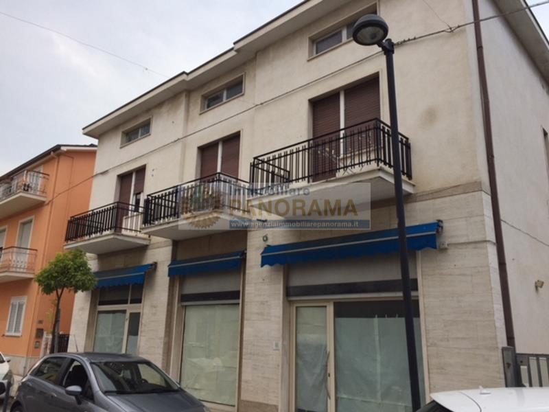Rif. TCV13 - Negozi in vendita ad Alba Adriatica