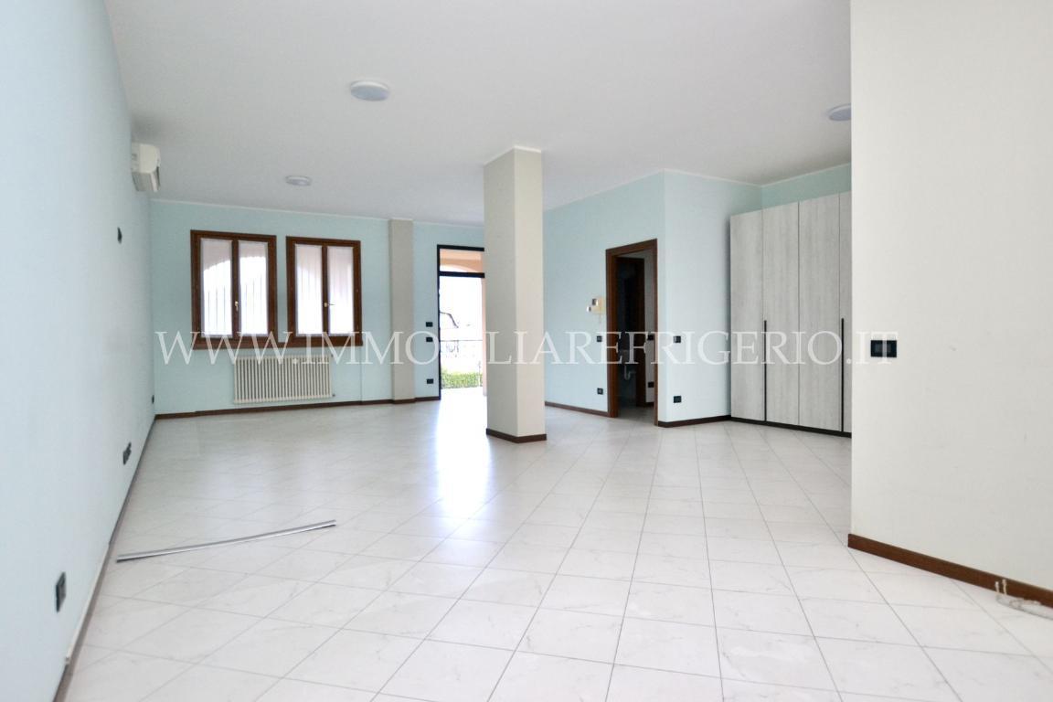 Affitto ufficio Cisano Bergamasco superficie 57m2
