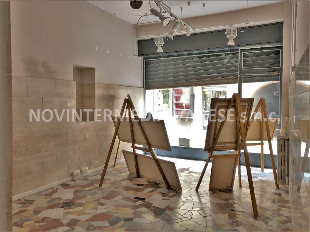 Negozio / Locale in vendita a Luino, 3 locali, prezzo € 75.000 | PortaleAgenzieImmobiliari.it
