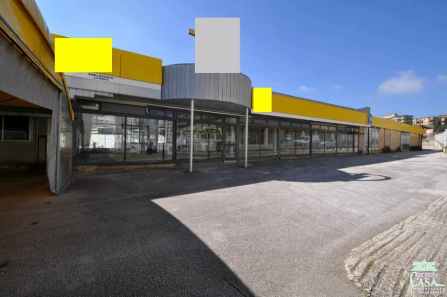 Immobile Commerciale in vendita a Ragusa, 1 locali, zona Località: LE MASSERIE, prezzo € 1.200.000 | CambioCasa.it