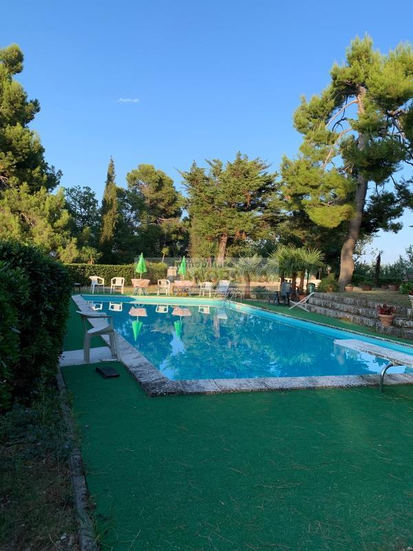 Rif. ATV137 Vendesi prestigiosa villa ad Ascoli Piceno