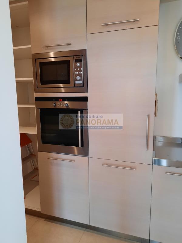 Rif. LC1106 Appartamento in vendita a San Benedetto del Tronto in prima fila mare