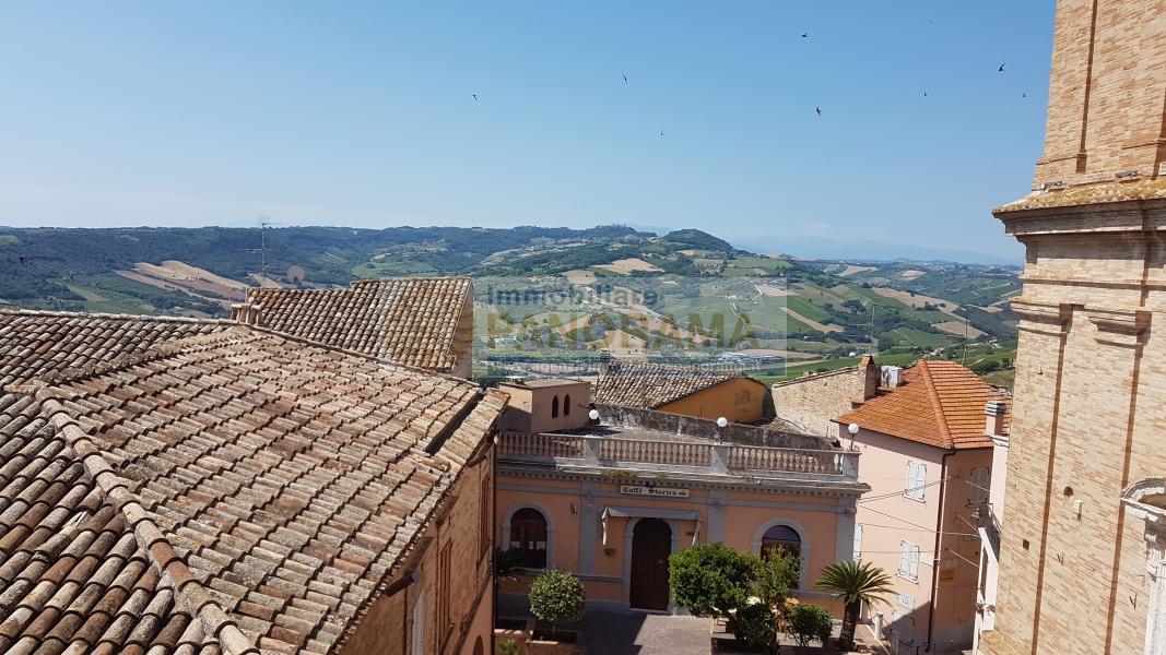 Rif. LC1166 Palazzo storico in vendita a Massignano