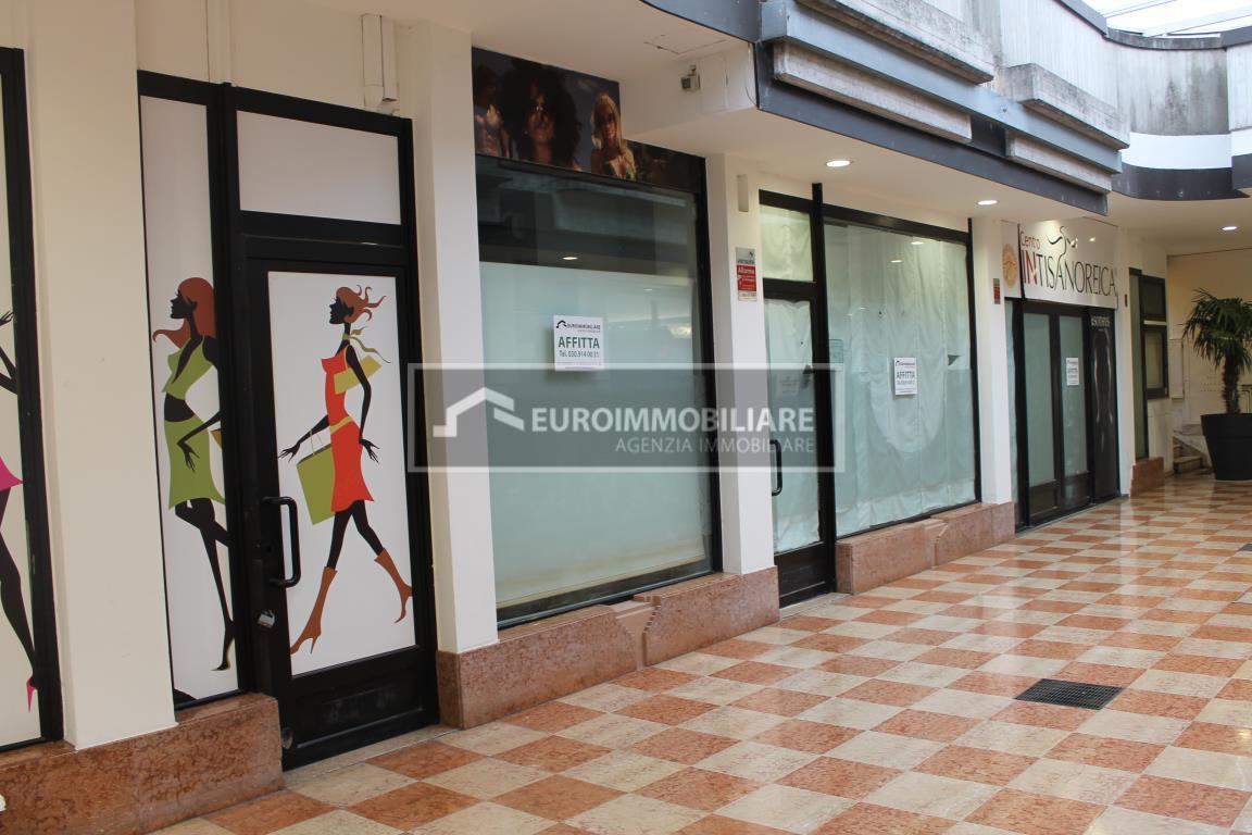 Negozio / Locale in affitto a Desenzano del Garda, 1 locali, prezzo € 2.000   PortaleAgenzieImmobiliari.it