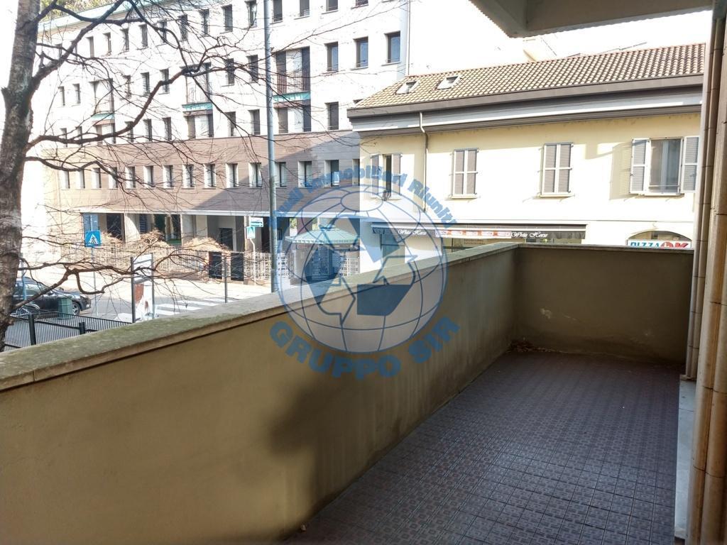 Ufficio / Studio in vendita a Monza, 4 locali, zona Località: Centro storico, prezzo € 310.000 | CambioCasa.it