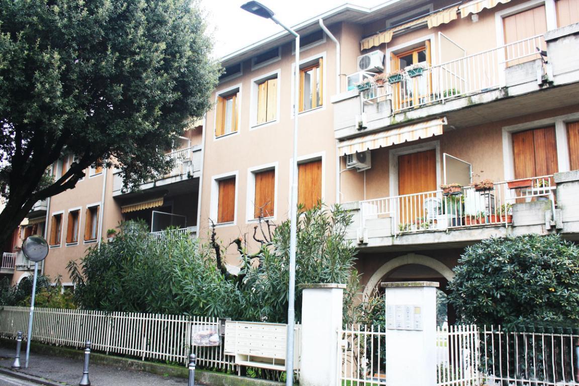 Appartamento trilocale in centro storico a Desenzano del Garda