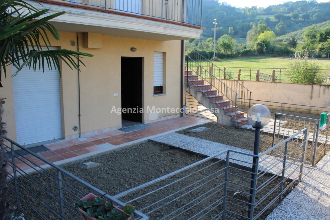 Appartamento in vendita a Tavullia, 3 locali, prezzo € 115.000   CambioCasa.it