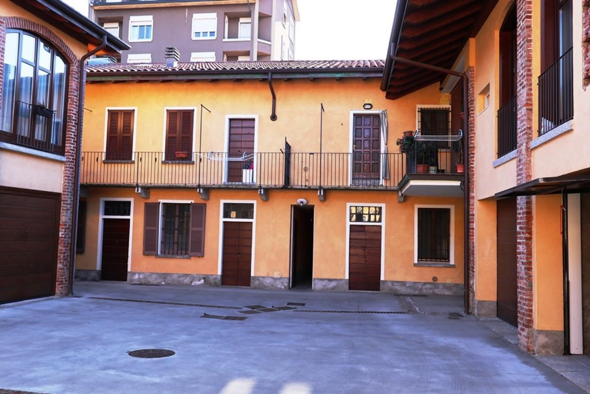 Appartamento in vendita a Cabiate, 3 locali, zona Località: Centro - Stazione, prezzo € 125.000   CambioCasa.it