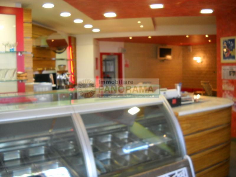 Rif. LC1155 Bar-Gelateria in affitto a Martinsicuro