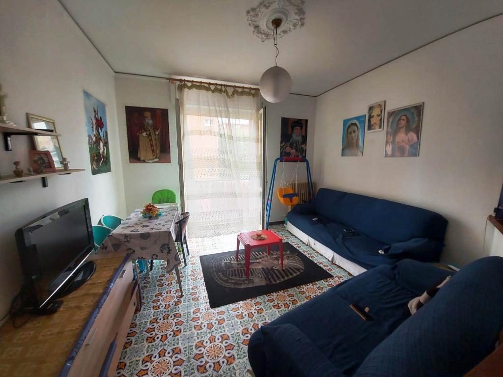 Appartamento in vendita a Seregno, 3 locali, zona Località: Santa valeria, prezzo € 145.000   CambioCasa.it