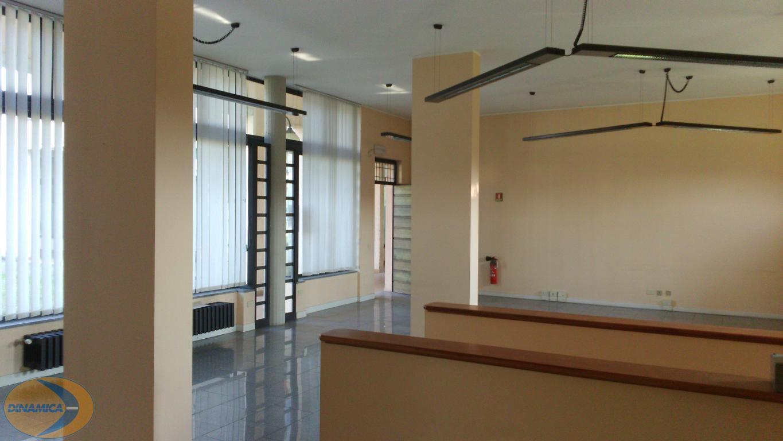 Negozio / Locale in vendita a Inverigo, 2 locali, zona Località: Centro, prezzo € 135.000 | PortaleAgenzieImmobiliari.it