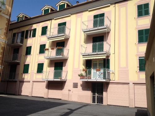 Alassio, vendesi in stabile signorile di nuova costruzione, grande bilocale con terrazzino, box auto sotto casa e cantina.